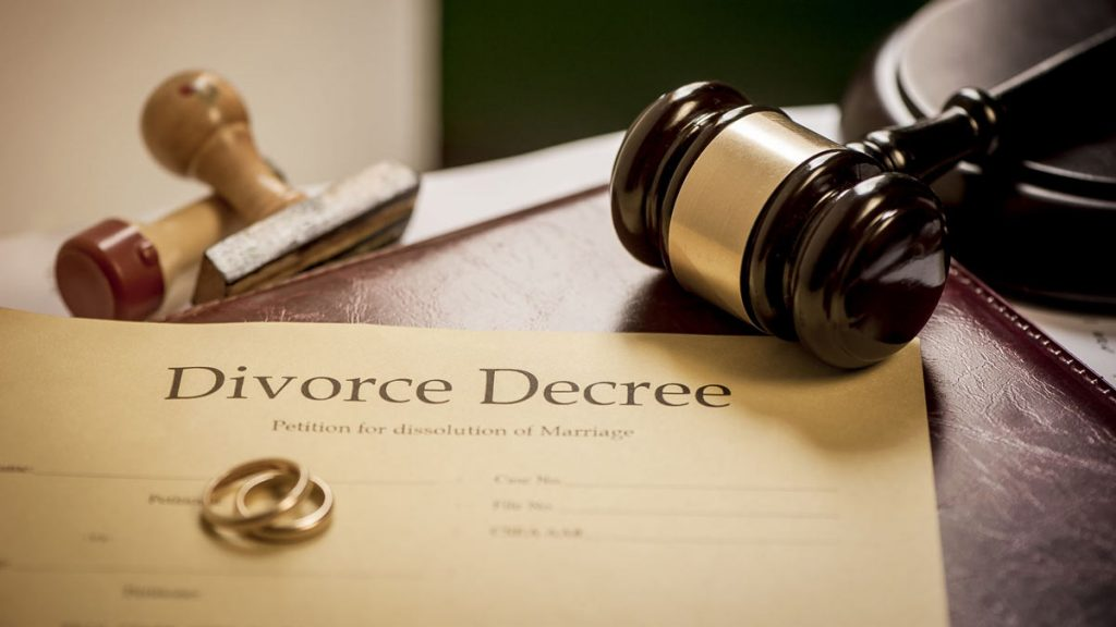 6 Reasons to Hire a Divorce Attorney