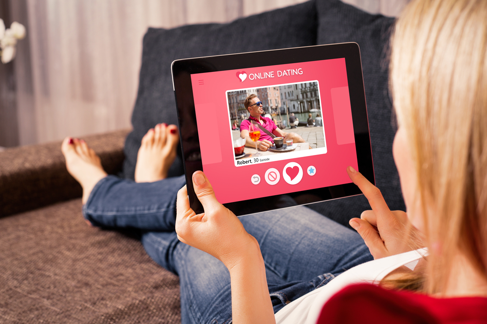 Bildgestützte Gesichtsausfrage bei der Online-Dating-Profilsuche